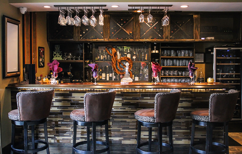 We Offer A Full Bar Of Specialty Beers Featured Wines Large Selection Bourbon Craft Tails And Martinis Hy Hour Thursday 5 7pm